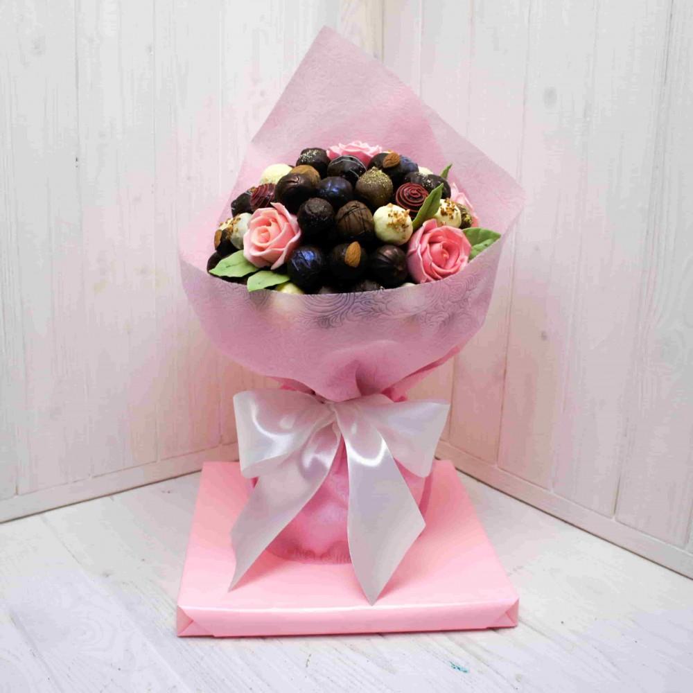 """Букет из конфет ручной работы """"Розовые розы"""""""