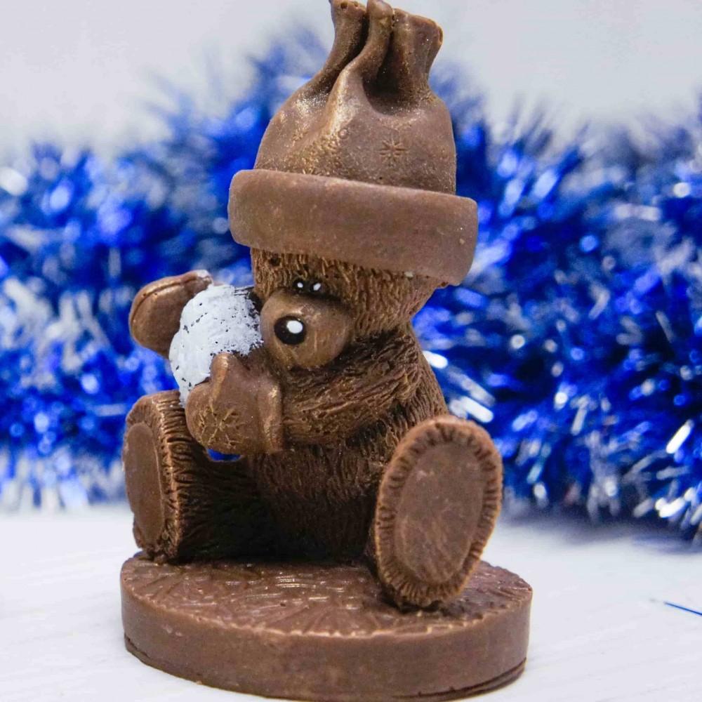 """Шоколадная фигурка """"Медведь со снежком"""""""