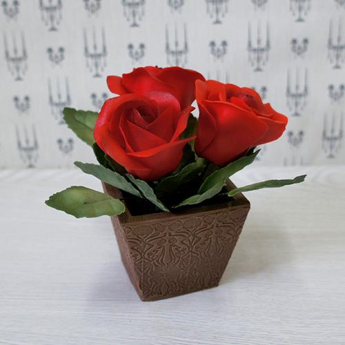 Сахарные цветы в шоколадных вазах